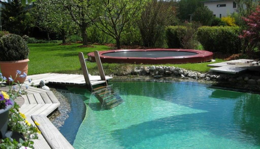 Bodentrampolin groß rund Garten mit Pool