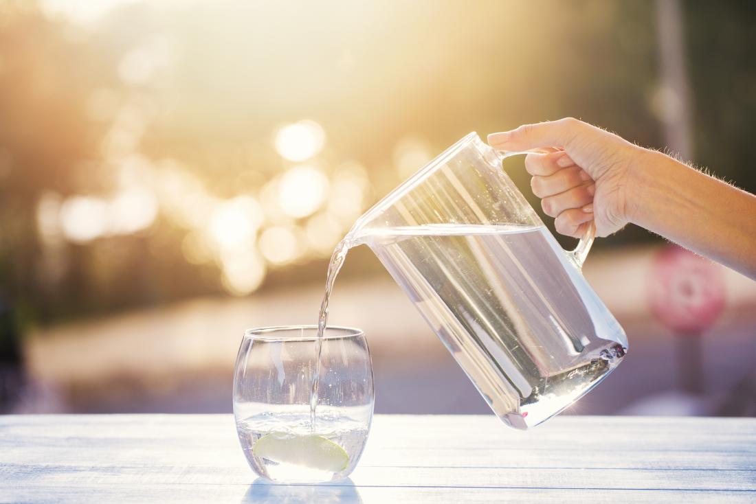 Abnehmen am Bauch genug Flüssigkeiten trinken