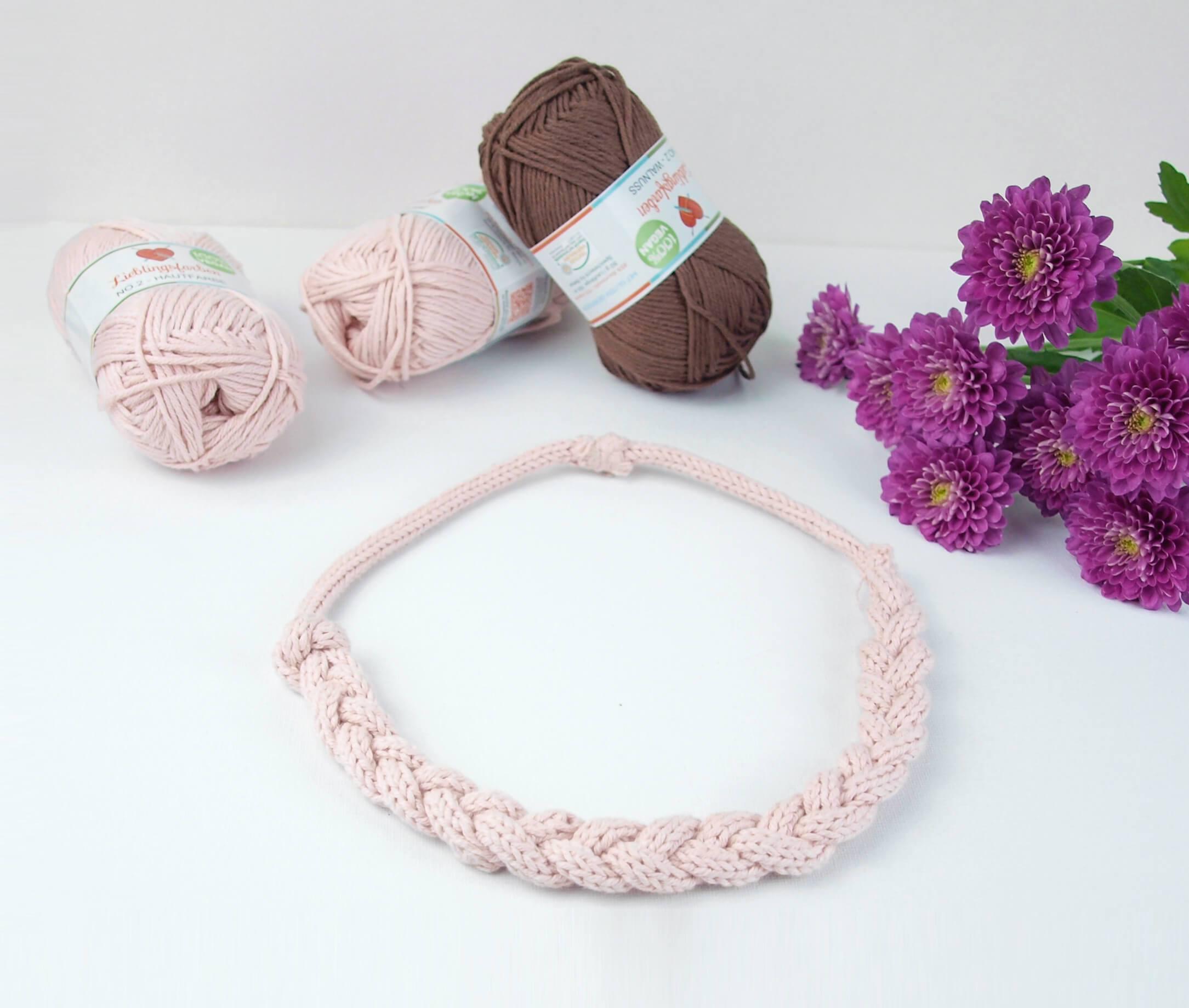 rosa Halskette gestrickt mit Strickliesel
