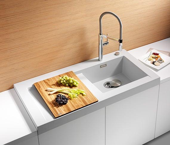 Küchenspüle aus weißem Granit Ablagefläche modern