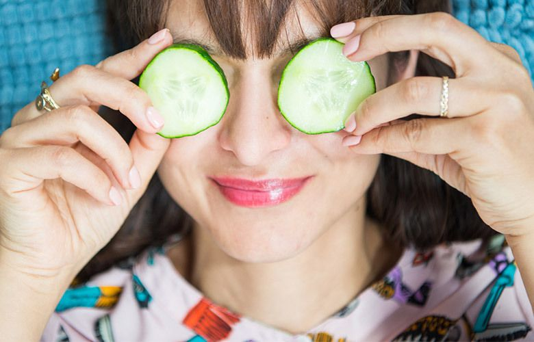 Hilfsmittel Gurkenscheiben geschwollene Augen