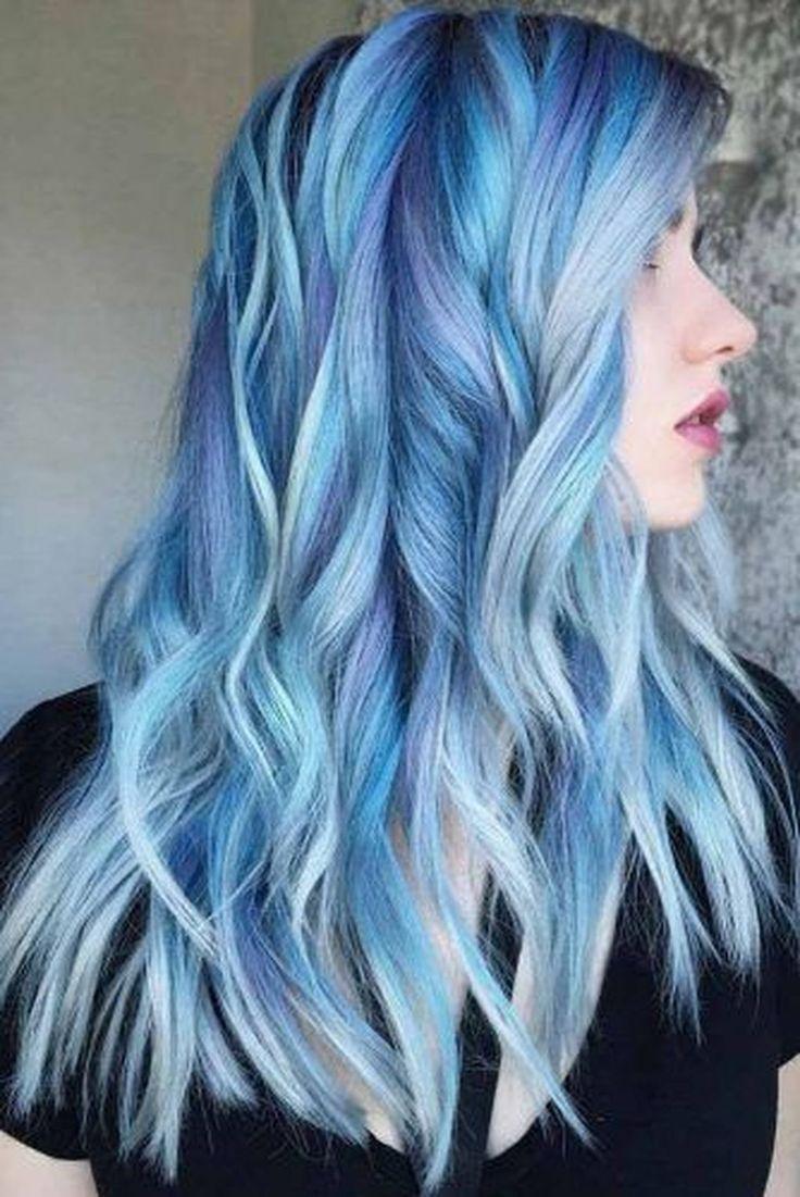 pastellblaue Haare super romantisch zart
