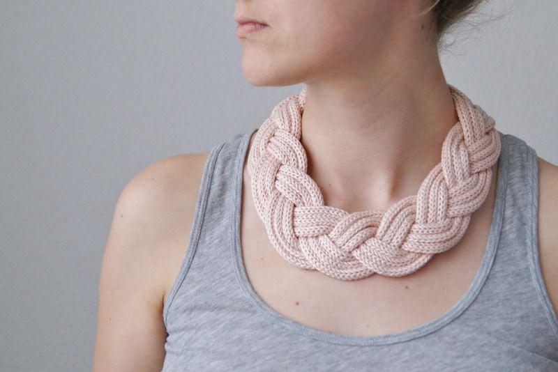 Strickanleitung Halskette originelle DIY Idee