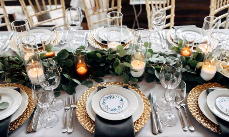 goldene Hochzeit Tischdeko Teelichter Pflanzen