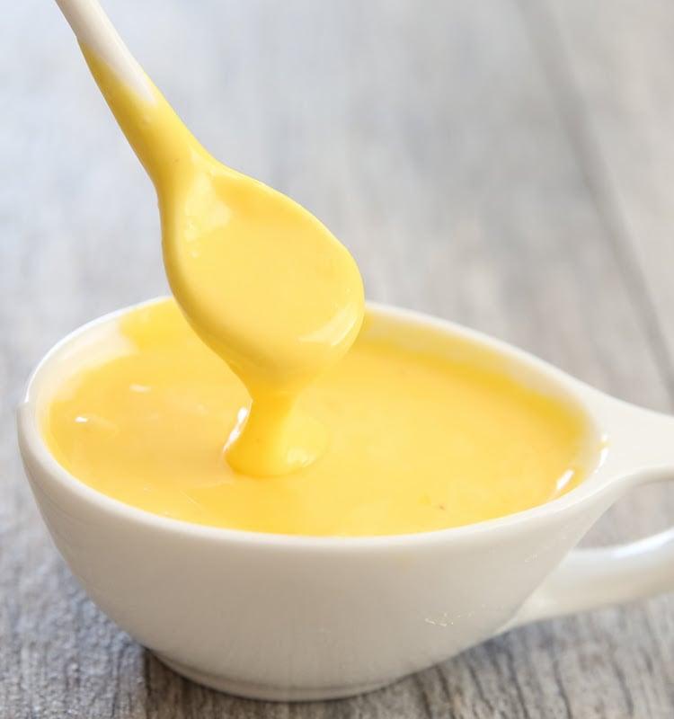 Sauce Hollandaise mit Senf und Honig