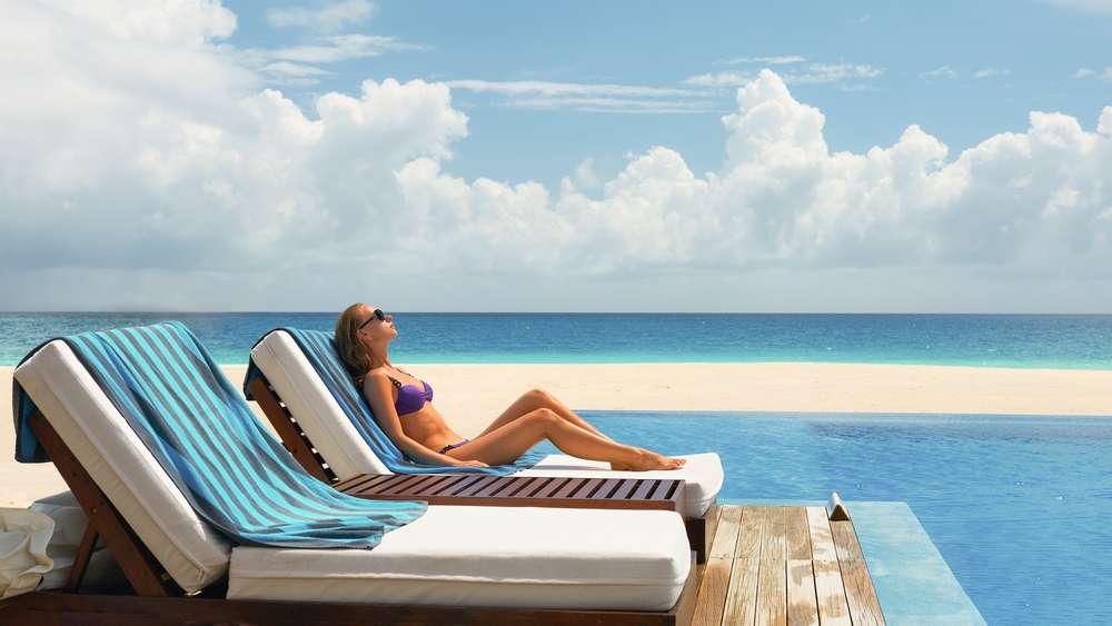 in der Sonne liegen Sonnen schädliche UV-Strahlen