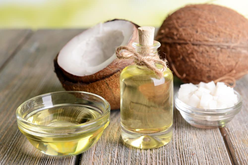 Haarmaske selber machen mit Kokosöl