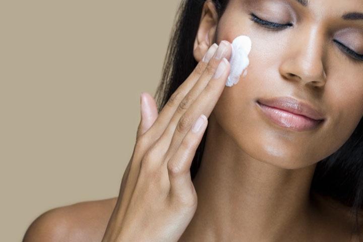 Hautcreme gegen Falten Hyaluronsäure