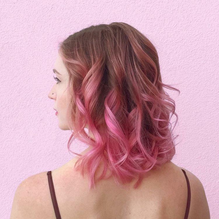 Haarspitzen Pastellrosa Ombre Effekt