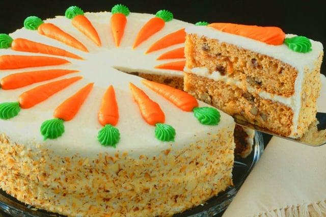 Möhrenkuchen Torte Kinder herrlicher Look