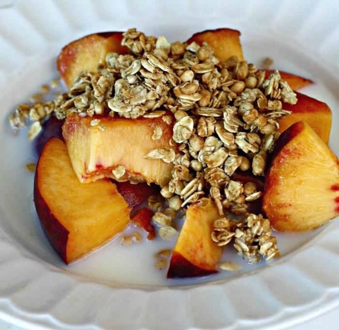 Müsli mit Pfirsichen Rezept