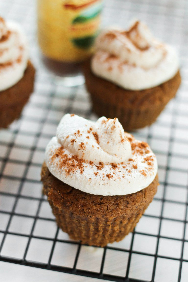 Cupcakes Sahnecreme Nüsse