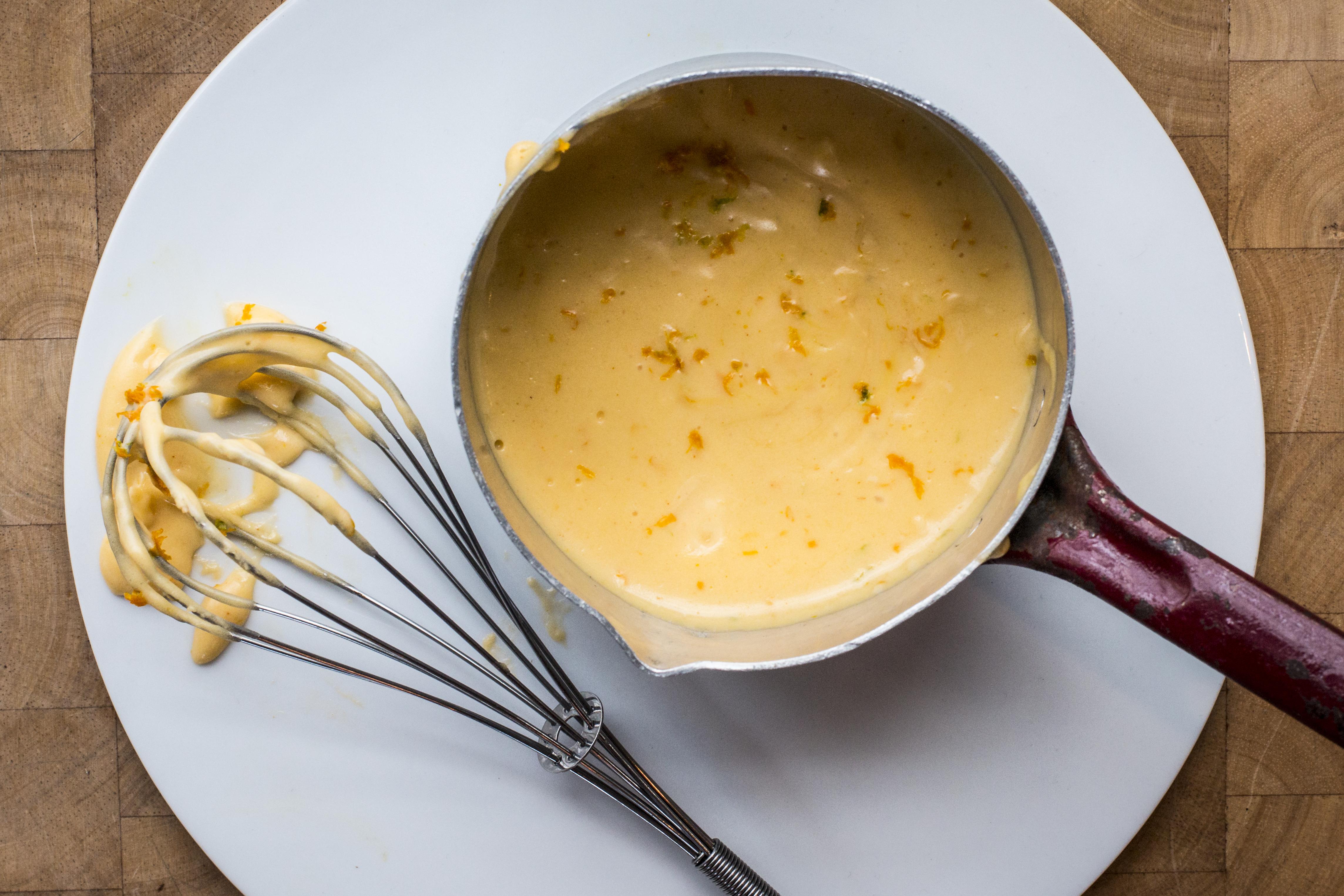Sauce Hollandaise mit Orangenschale und Shafran