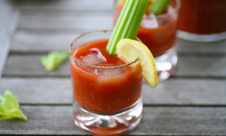 Bloody Mary Rezept Selleriestange Zitronenscheibe