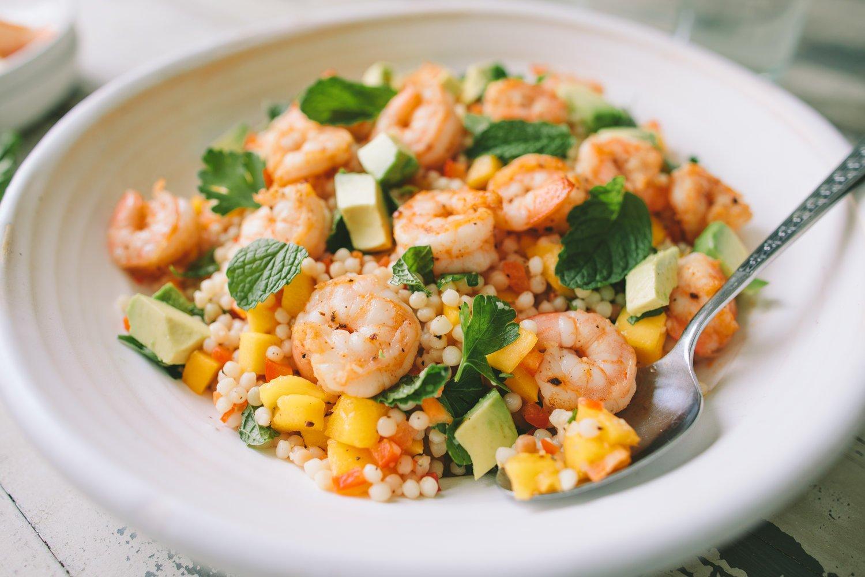 Couscous Salat mit Feta und Garnelen