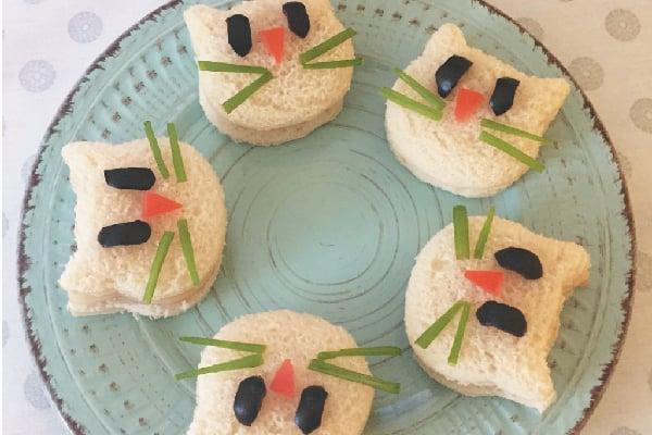 Häppchen Sandwiches Katzengesicht