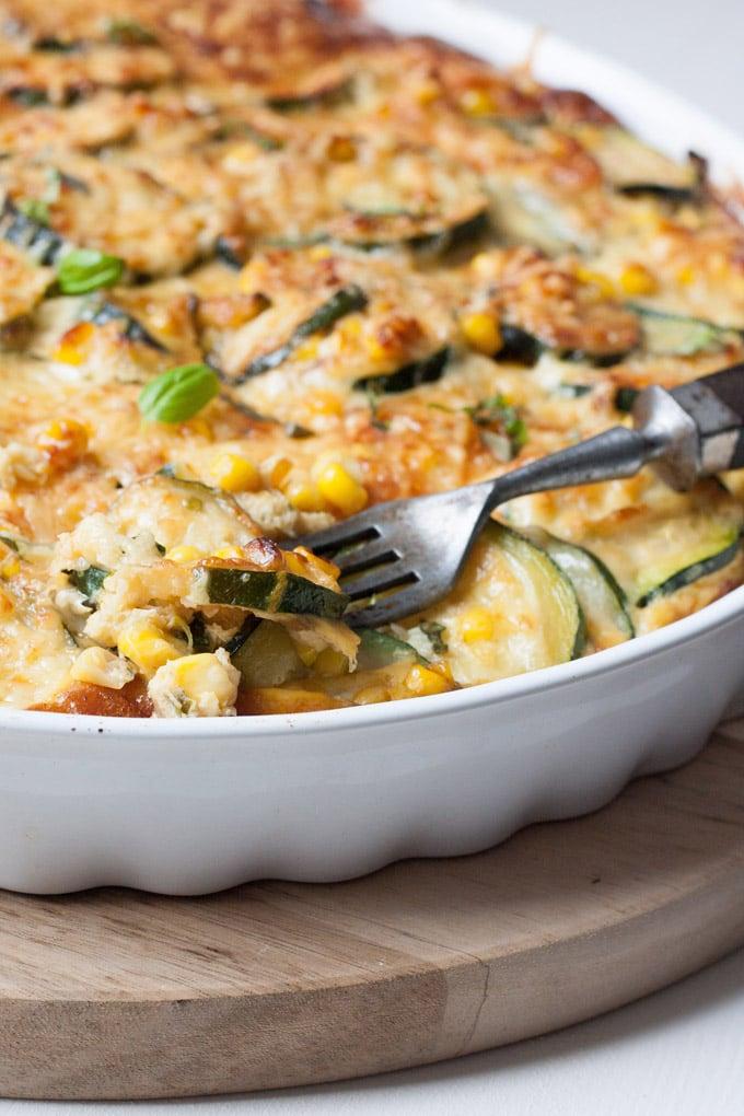 schnelle Sommer Rezepte Auflauf Zucchini Mais Käse