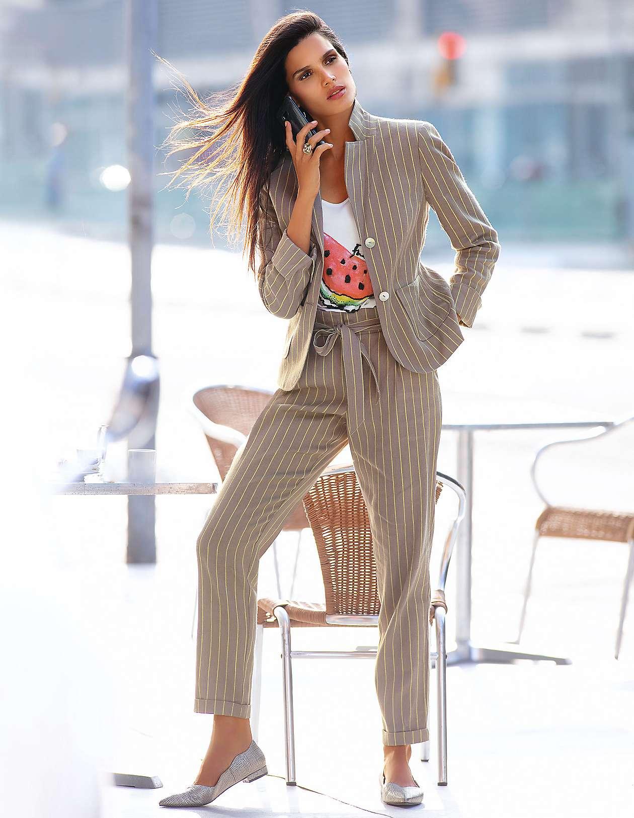 Sommeranzüge Anzüge moderner Look