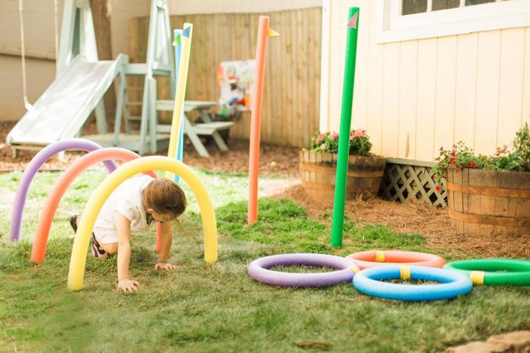 Spielplatz für Kleinkinder Spielgeräte DIY Schaumstoffringe