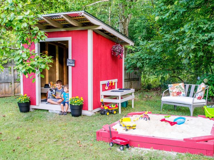 Spielplatz im Garten Spielhaus selber bauen Anleitung