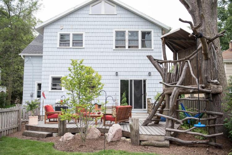 Spielplatz Spielhaus selbstgebaut Treibholz