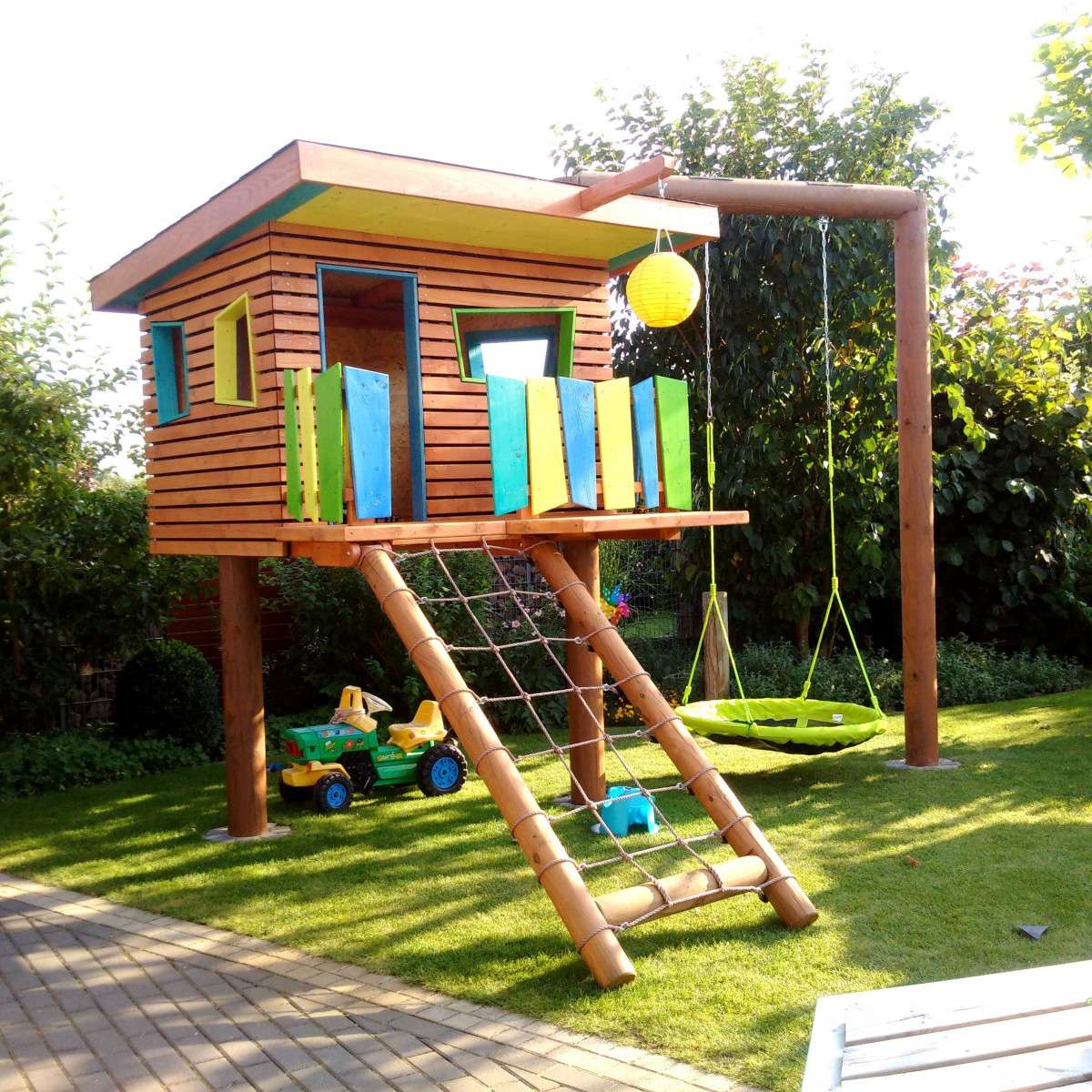 Stelzenhaus Garten herrlicher Look mit Klettergerüst