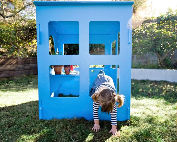 Spielplatz im Garten Spielhaus für Kinder bauen Holz