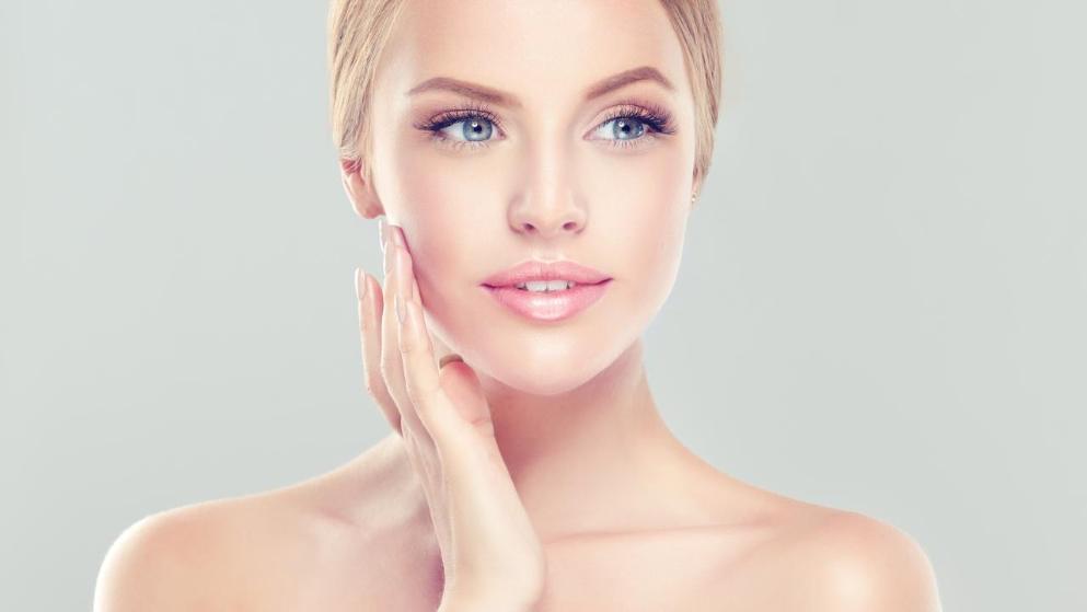 Therapie mit Hyaluronsäure junge und straffe Haut