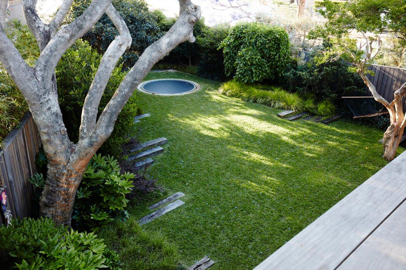 rundes Bodentrampolin einbauen Garten Standort
