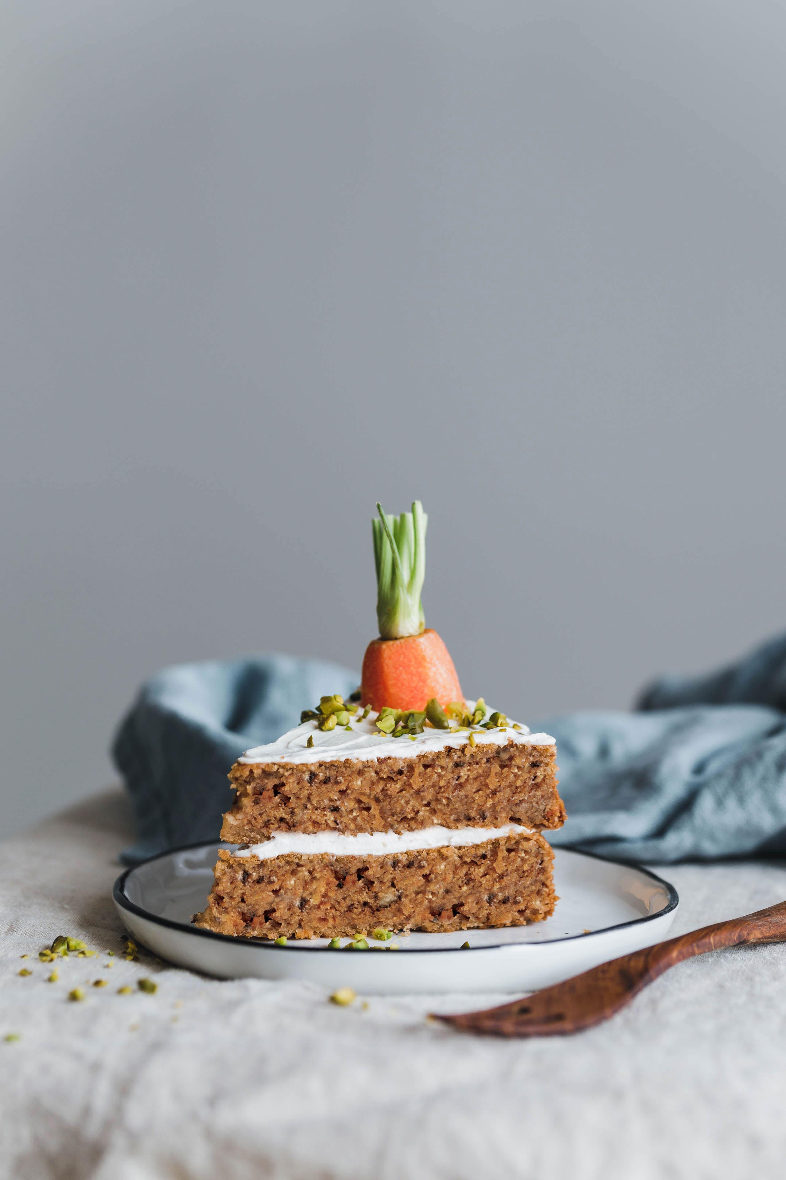 Karottenkuchen Torte verzieren herrliche Idee