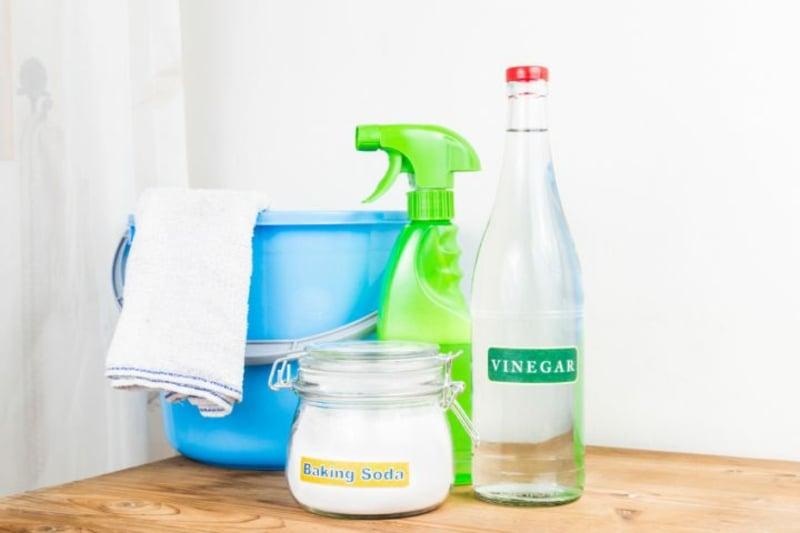 Abfalleimer reinigen mit Hausmitteln Tipps