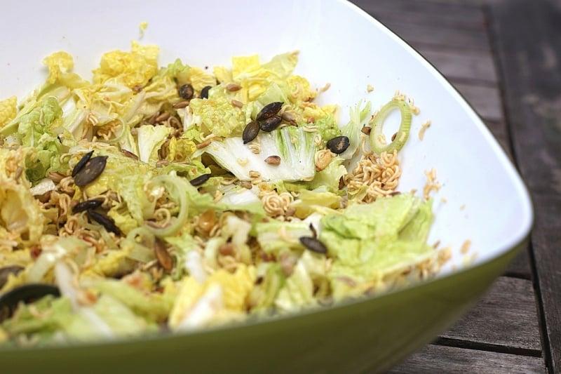 Yum Yum Salat asiatische Küche
