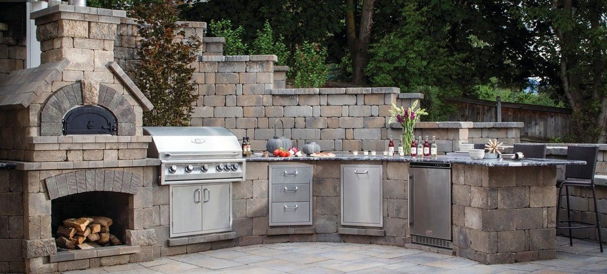 Küche Außenbereich Unterbauten Stein Geräte Edelstahl ohne Überdachung