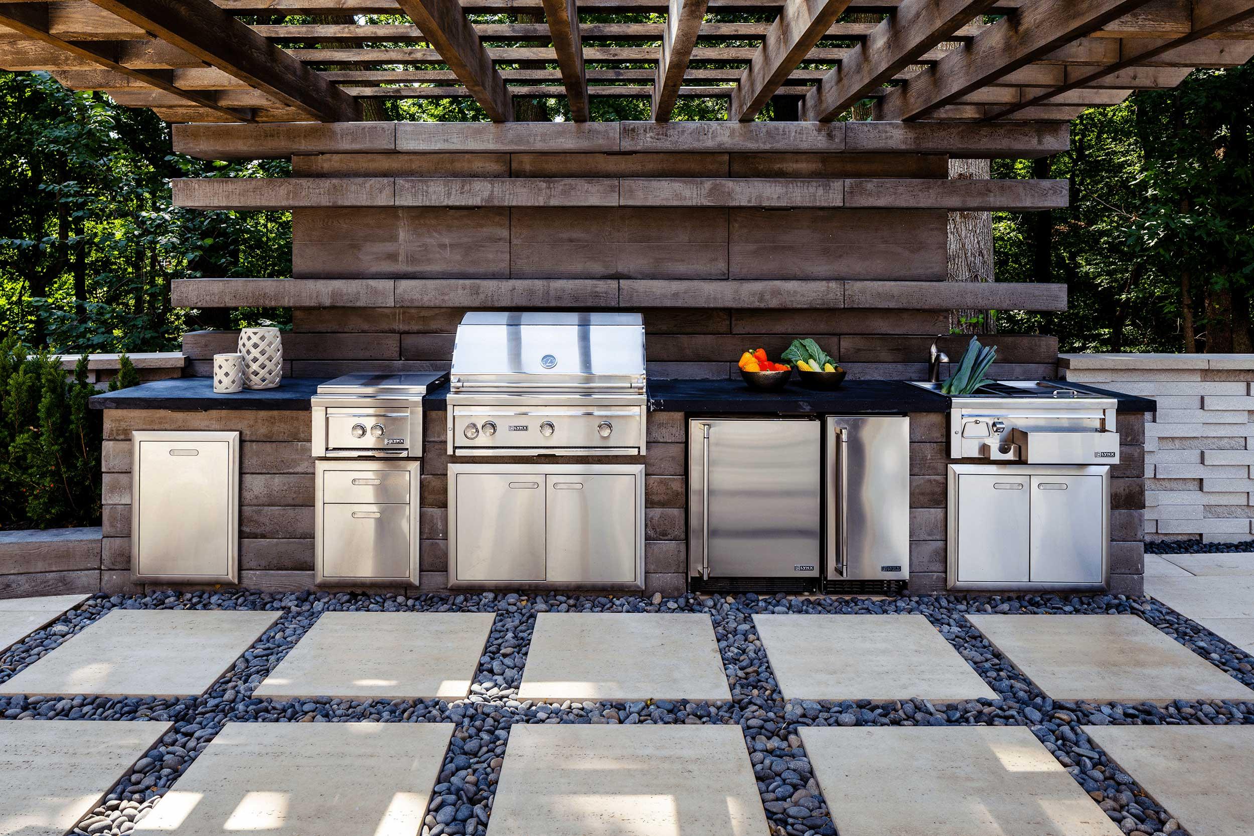Außenküche mit Überdachung Grill Edelstahl
