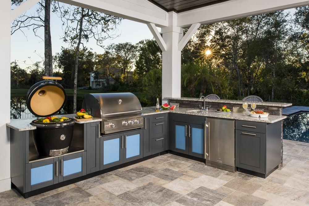 moderne Außenküche mit Grill einrichten Tipps