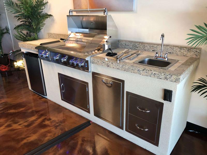Küche Außenbereich Terrasse moderne Geräte Quartz Arbeitsplatten