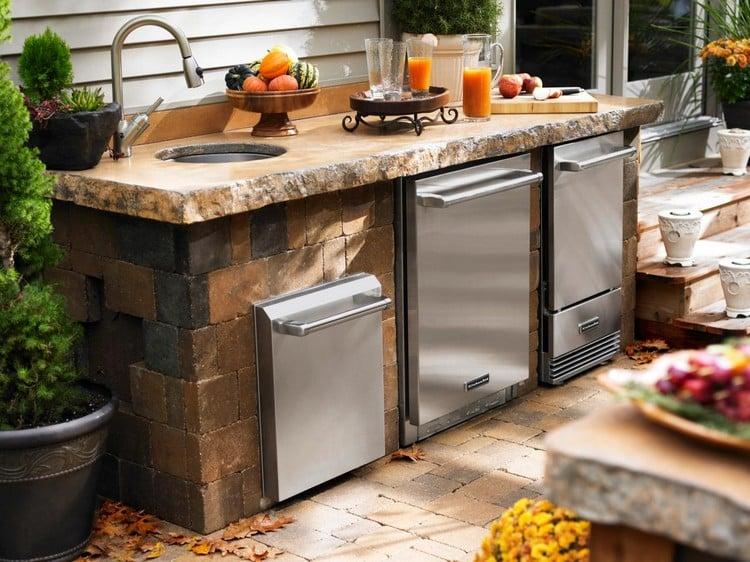 Außenküche mit Spüle Stein Geräte Edelstahl