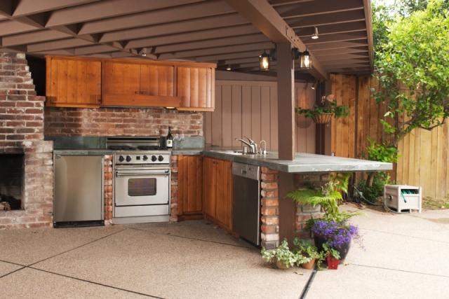 Outdoor Küche überdacht Unterbauten Backstein