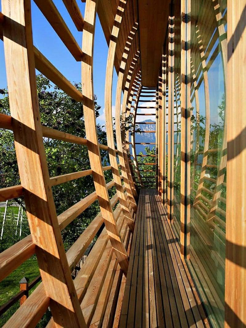 eingebaute Holzverkleidung Balkon