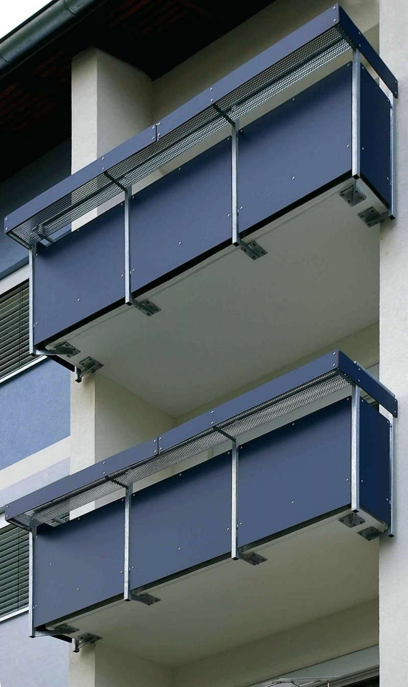 Balkon verkleiden Kunststoff moderner Look