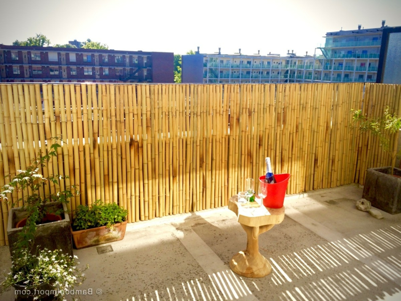 Bambusverkleidung Balkon schick Sichtschutz
