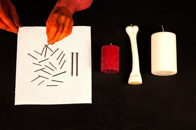 blutige Kerze gestalten Materialien