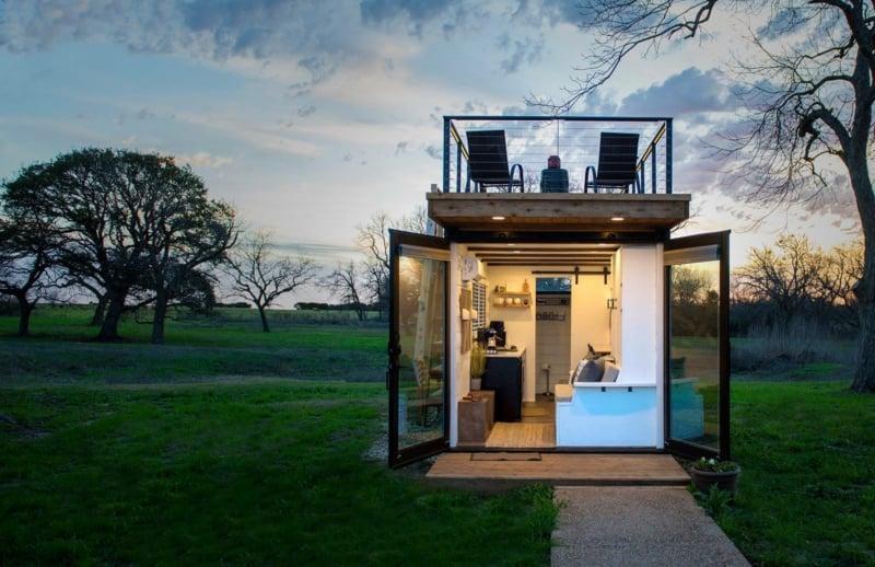 Container Haus mit Dachterrasse modern