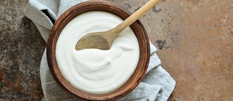 Gesichtsmaske mit Joghurt und Fruchtsäure