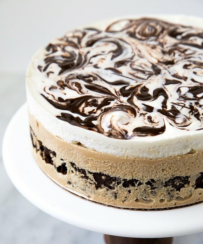 leckere Torte mit Eiskaffee