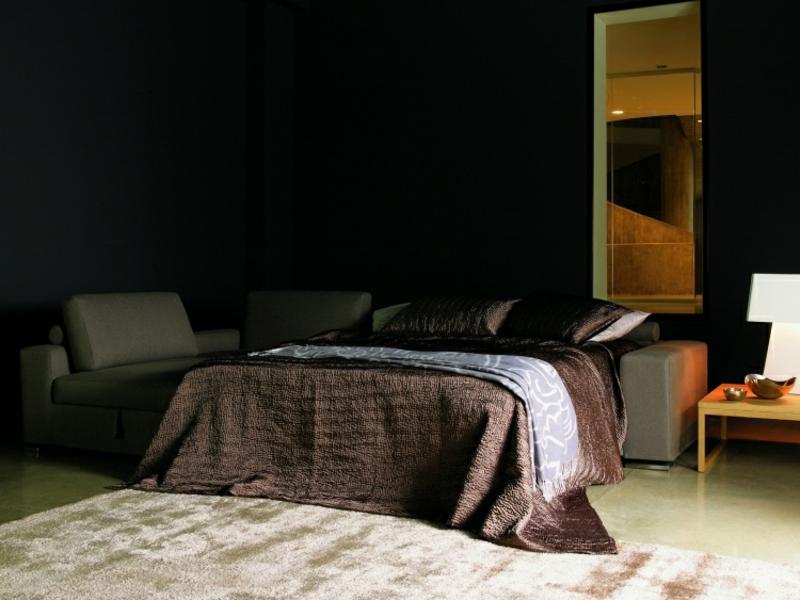 Ecksofa mit Bettmechanismus funktional und praktisch