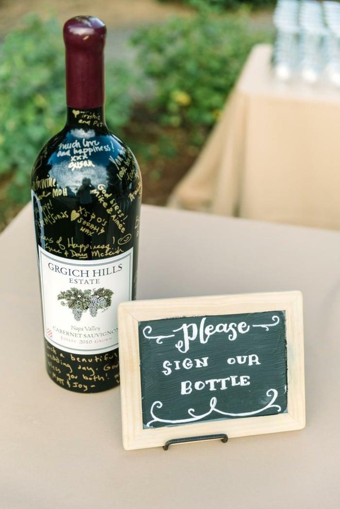 Gästebuch Hochzeit ungewöhnlich Weinflasche