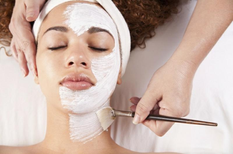 wirkungsvolle Gesichtsmaske mit Joghurt und Fruchtsäure