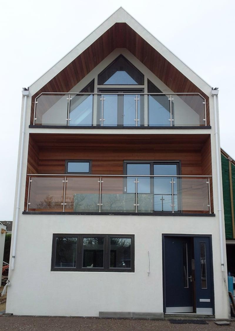 Glasverkleidung Balkon Haus herrlicher Look