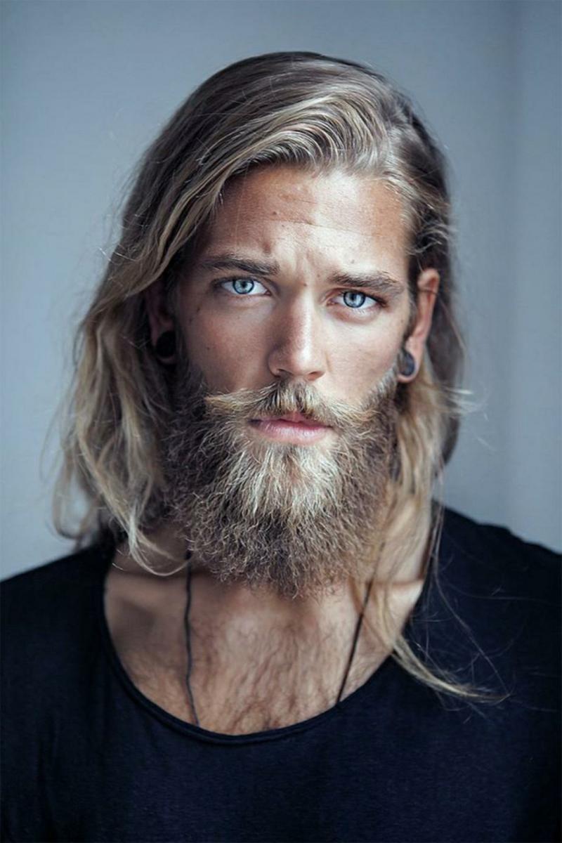 Frisuren mit Bart lange und mittellange Haare